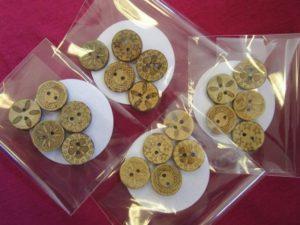 Mönstrad kokosknapp 18 mm 5-pack-0